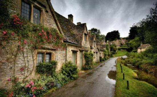 7.Bibury,England