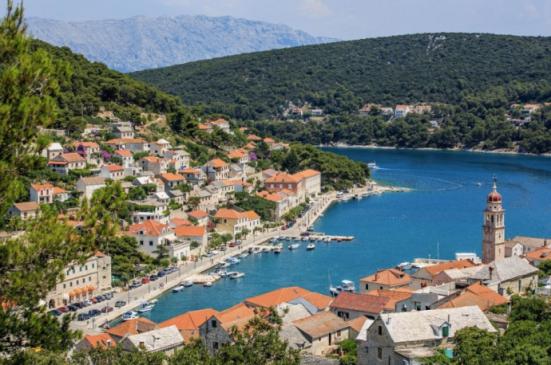 9.Pucisca, Croatia